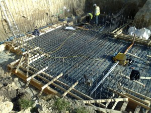 Reinforcing forming the slab and the beginings of the walls