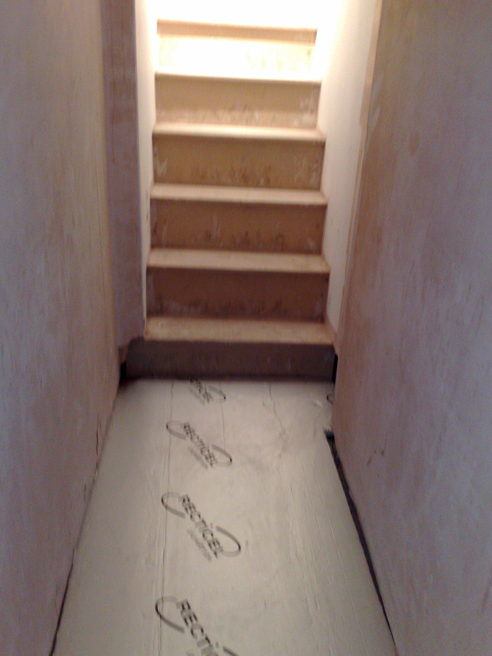 Floor insulated