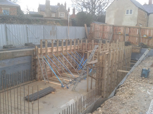 Walls fully supported prior to concrete pour