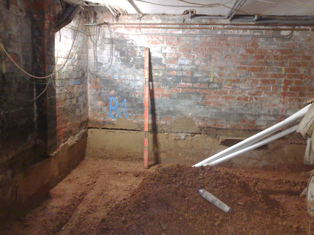 Underpinning carried out in sections