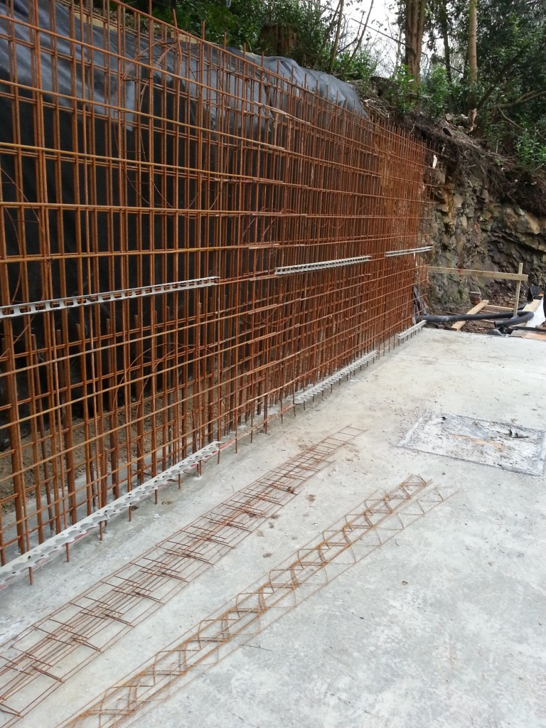 Reinforcing on walls