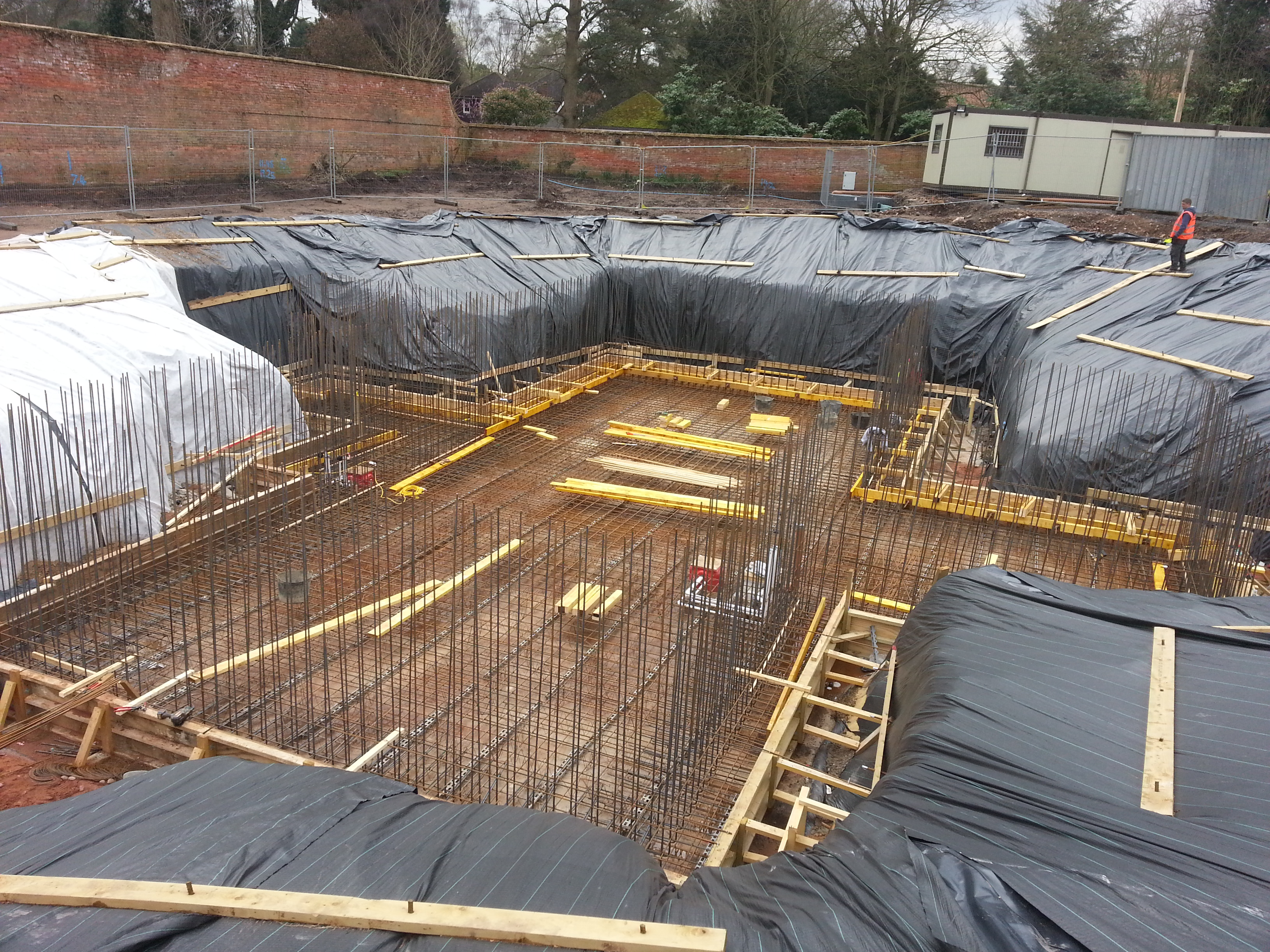 Kicker construction to give better waterproofing