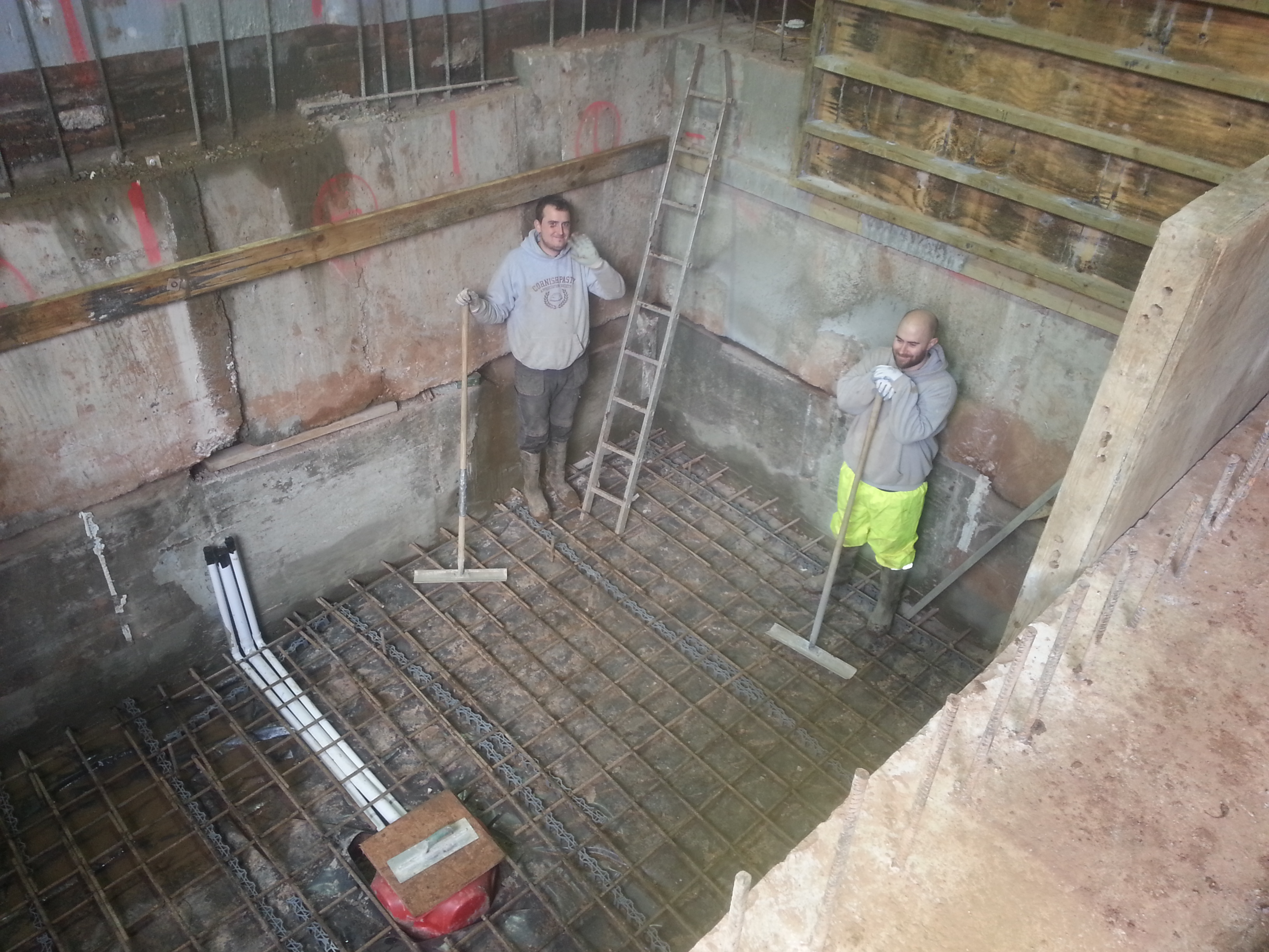 Ground water sump located centrally