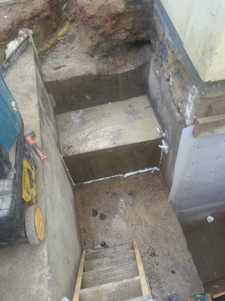External stair well cast in concrete