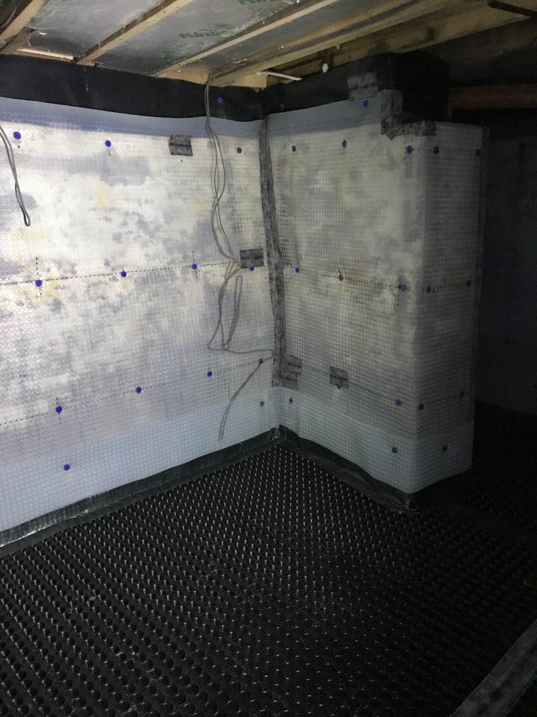 Cavity membranes on walls & floor