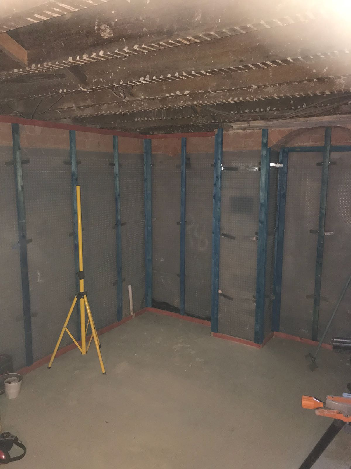 Dry lining timbers fixed to the membrane