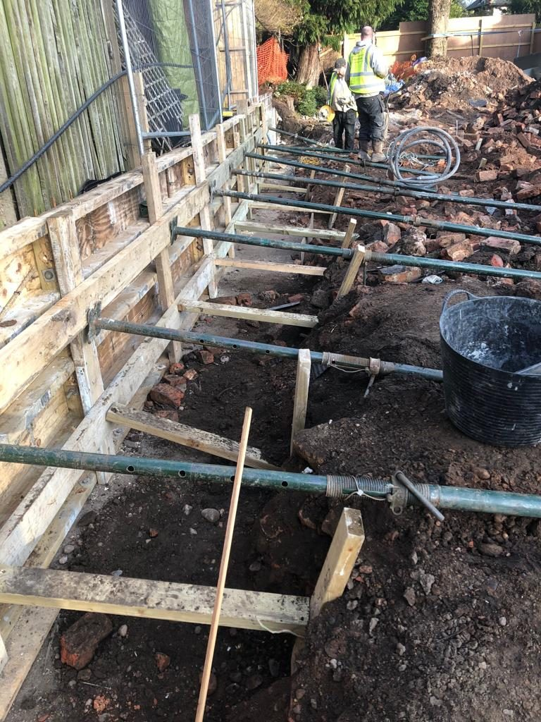 Bracing for concrete support beams