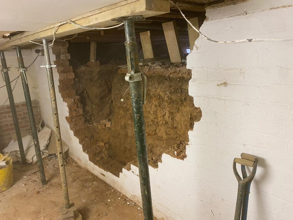 Propping existing house whilst excavating