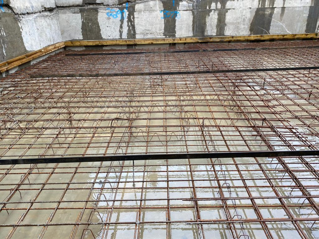 Main structural slab reinforced