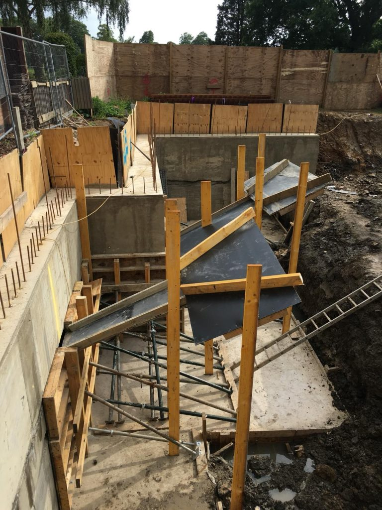 Underpins for ring beam cast with concrete